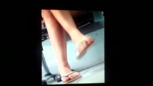 Feet Shaking & Shoeplay